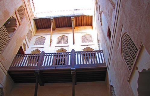 jabrin-courtyard2