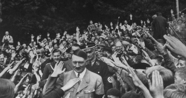 hitler-c-saluting-girding-crowd-raising-arms-in-enthused-mass-heil-1936